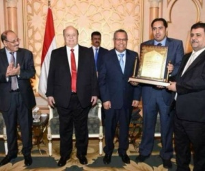 شرعية الإحتلال اليمني تقر تعيين 6 وزراء رؤساء للأقاليم