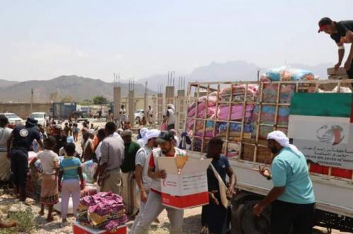 خليفة الإنسانية توجه قافلة إغاثية إلى 30 نوفمبر بسقطرى
