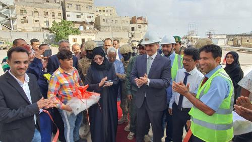 لملس والعراشة يضعان حجر الأساس لإعادة تأهيل منشأة حجيف ويفتتحان مساكب الوقود