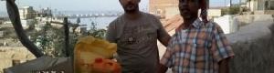 شبكة عدن معاً نحميها توزيع سلال غذائية في مديرية المعلى والتواهي